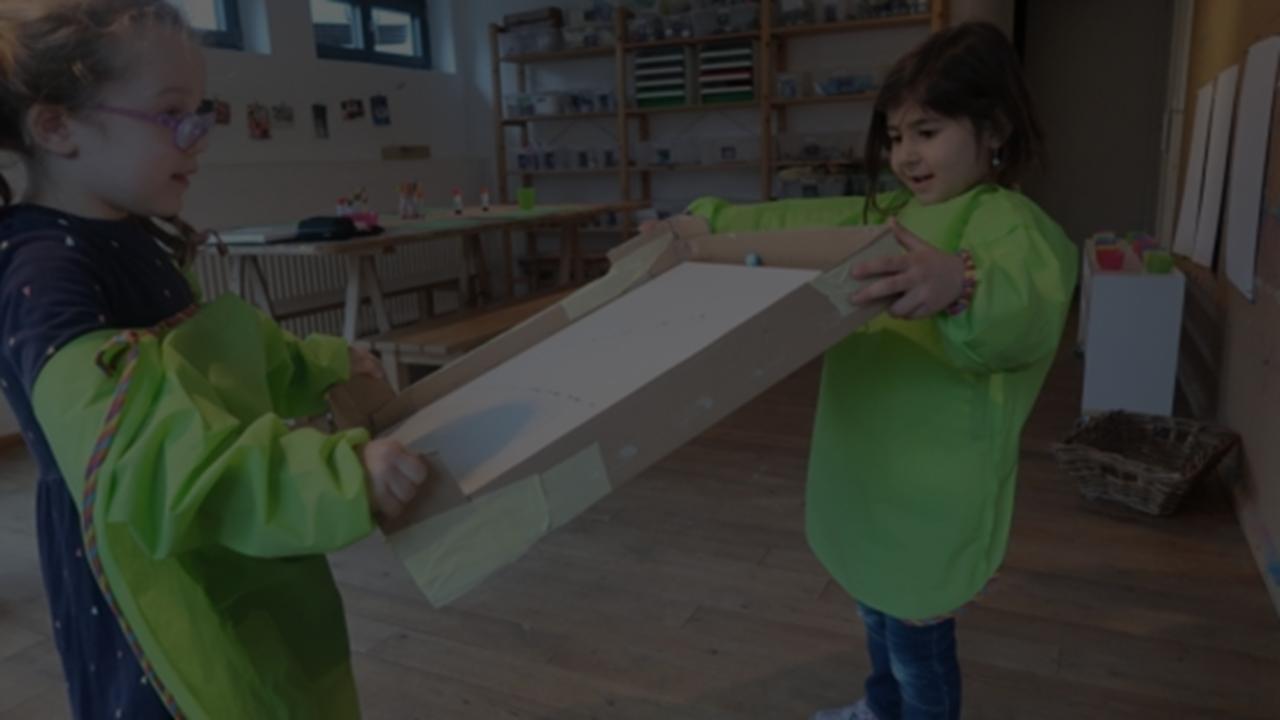 Momo-Räume sind Räume für kleine und grosse Menschen. In diesen Räumen können Kinder wachsen, spielen, Erfahrungen sammeln und Vieles mehr. Räume geben den Kindern (und auch den Erwachsenen) eine Struktur, die wiederum Sicherheit gibt.